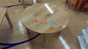 bàn-gỗ-mầm-non-hình-tròn