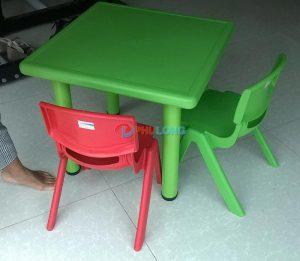 bàn ghế trẻ em (1)
