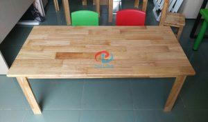 bàn-mầm-non-hình-chữ-nhật-bằng-gỗ