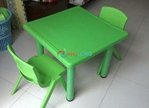 bàn nhựa cho bé (1)