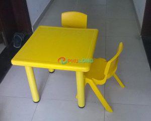 bộ bàn ghế trẻ em (1)