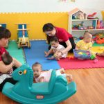 Giáo viên mầm  non dạy không lương hơn 500 giờ mỗi năm