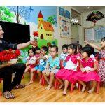 Áp dụng dạy song ngữ có gây áp lực cho trẻ?