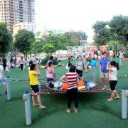 Lợi ích của việc trẻ chơi ngoài trời
