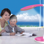 Chọn đèn học phù hợp với mắt của trẻ
