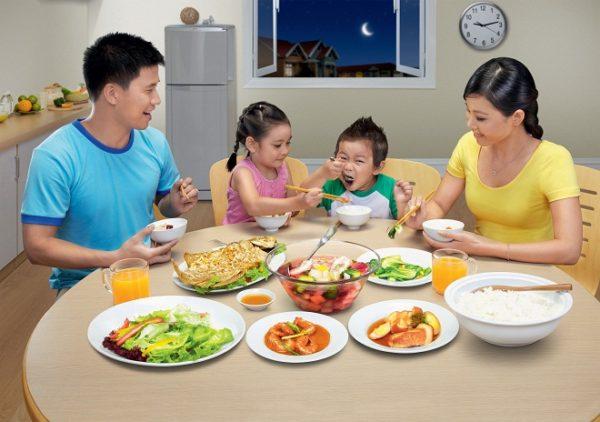 Giúp trẻ ăn ngoan