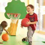 Bật mí phương pháp chọn đồ chơi vận động cho bé