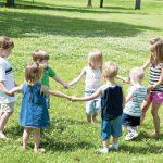 Kỹ năng vận động phối hợp ở bé 3 tuổi rưỡi