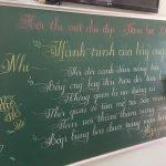 """""""Lác mắt"""" với 18 bài thi viết chữ đẹp của cô giáo tiểu học tại Quảng Trị"""