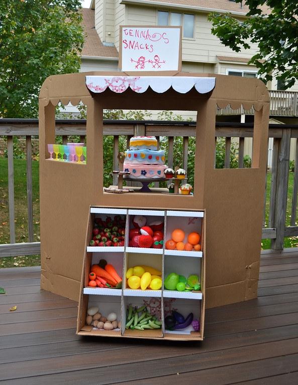 Làm tiệm tạp hóa đồ chơi cho bé