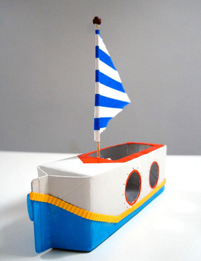 làm chiếc thuyền bằng hộp sữa giấy